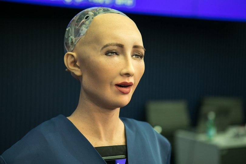 1200px-Sophia_(robot)